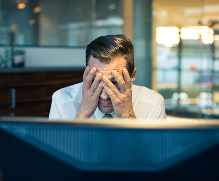 How to Deal with a Colleague who is Slacking off